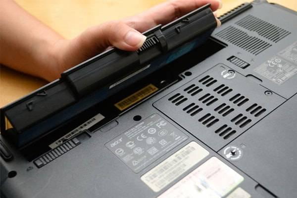 ۱۱ مشکل رایج لپ تاپ و راهکار رفع آنها (بخش اول) تعویض باتری لپتاپ